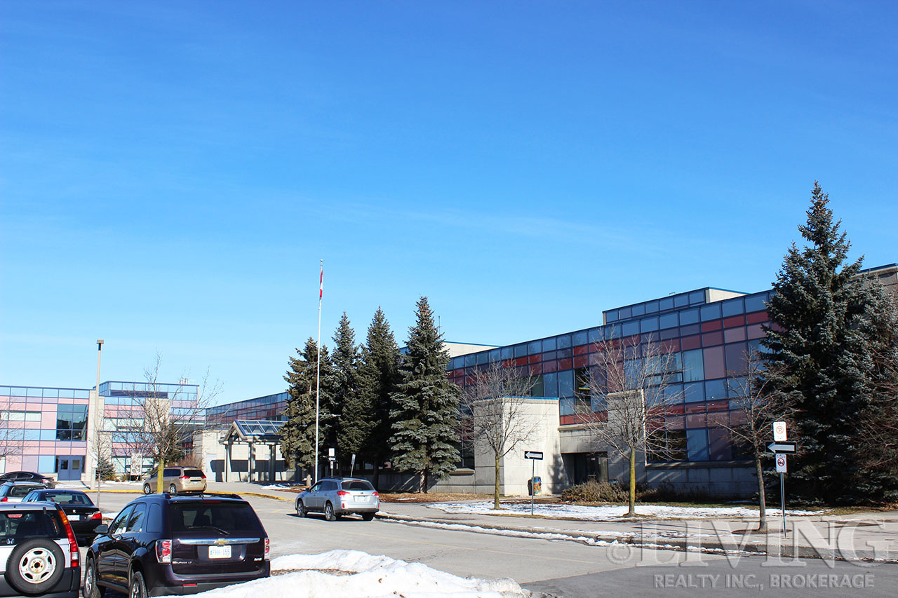 Unionville High School's spacious building sits right next to the Markham Theatre aside Town Centre Boulevard.