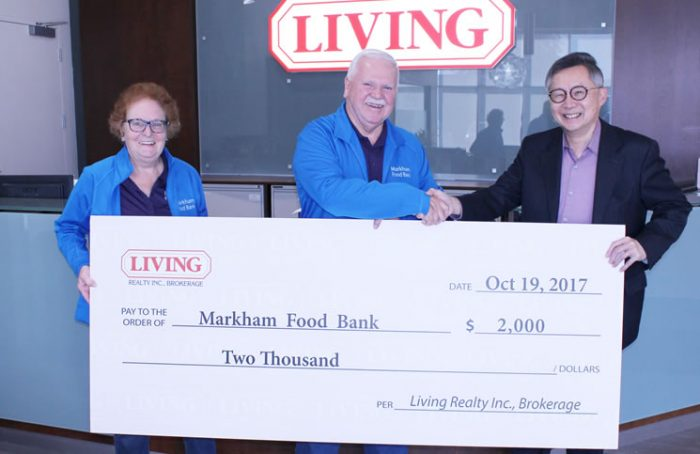 2017 Thanksgiving food drive cheque donation