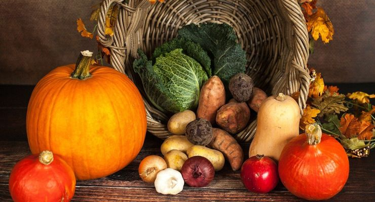 Living Realty Launches 2021 Thanksgiving Food Drive